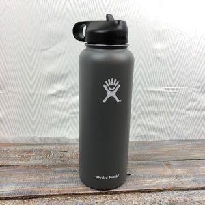 40 oz Graphite Hydro Flask, Brand New with Box.